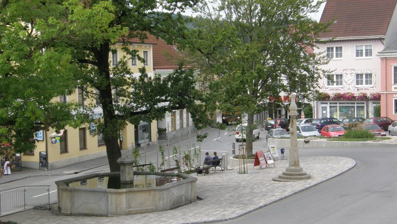 hauptplatz-in-gross-gerungs